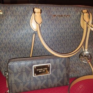Michael Kors Purse and Wallet Bundle